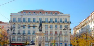 Praça Luís de Camões