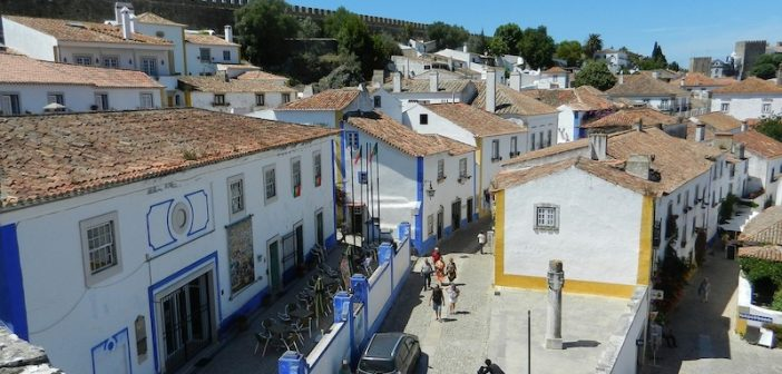 How to Get from Lisbon to Óbidos by Bus and Car